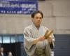 相撲の進行は拍子木の音から始まります。